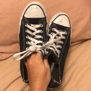 Black low top converse